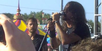 Watch Dave Grohl Struggle To Remember The Lyrics To An AC/DC Classic