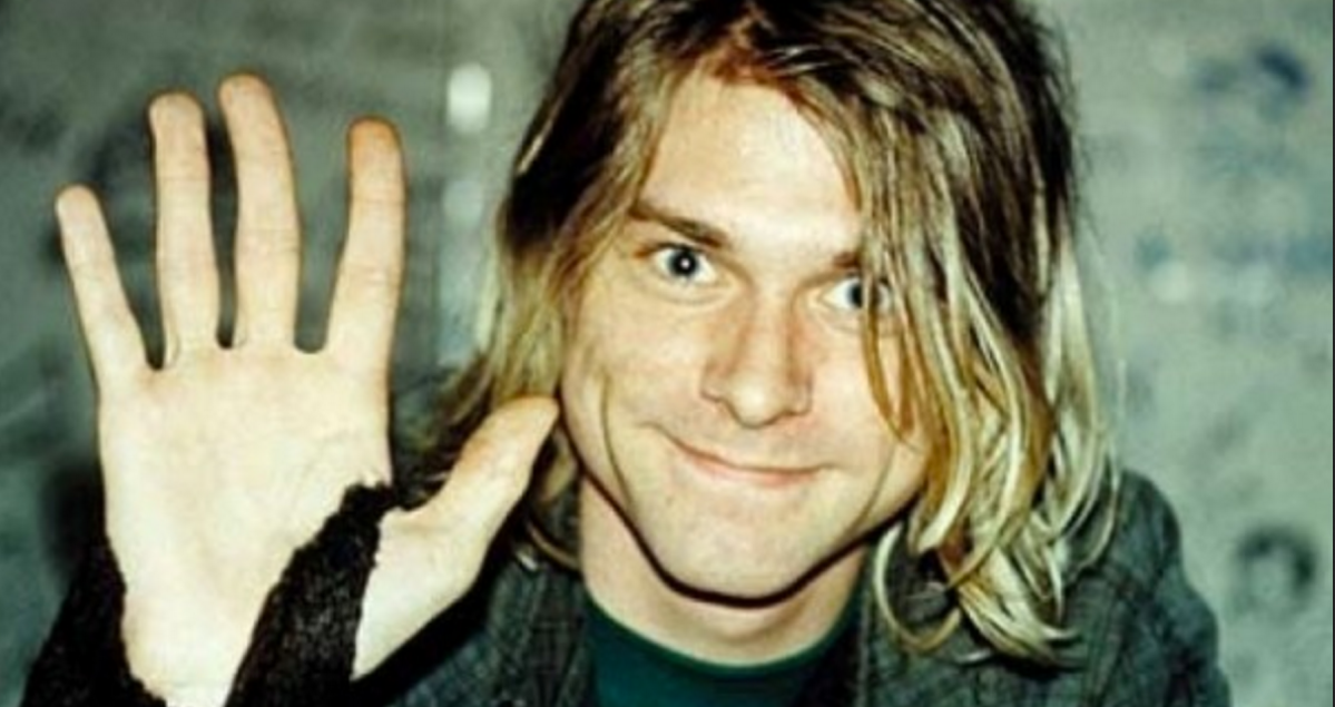 You can now bid for Kurt Cobain's sparkly blue guitar on eBay