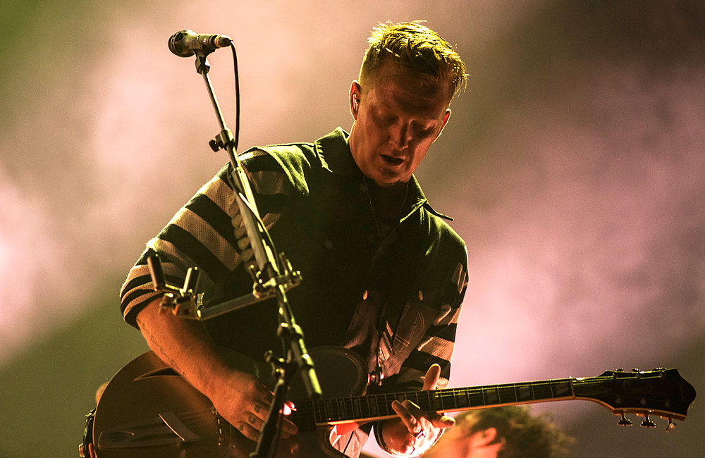 Josh Homme plays live