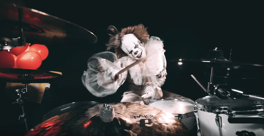 Watch this guy dressed as Pennywise rip through a Slipknot cover
