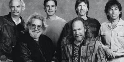 A 1967 Grateful Dead t-shirt just became the most expensive rock t-shirt