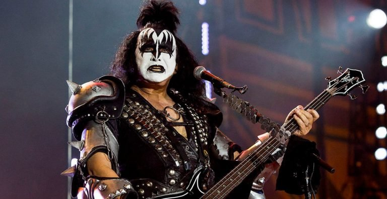 Gene Simmons young fans