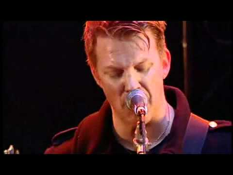 Josh Homme Confronts Boy Who Throws Bottle