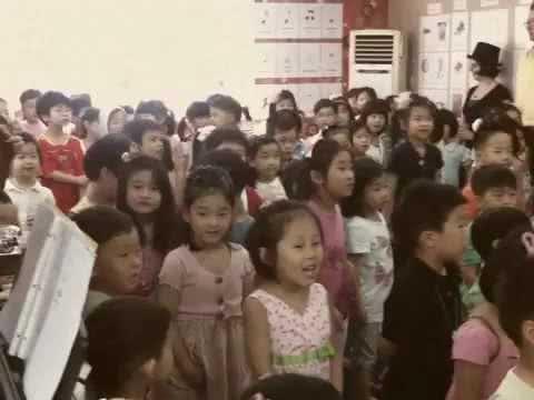 Korean Children Sing The Ramones