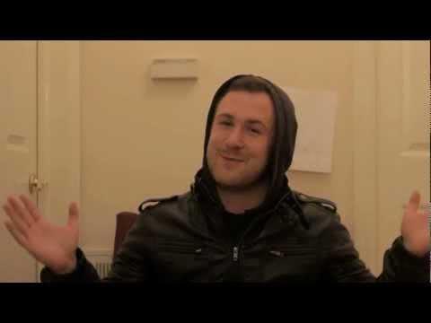 How To Look Like Ryan Gosling